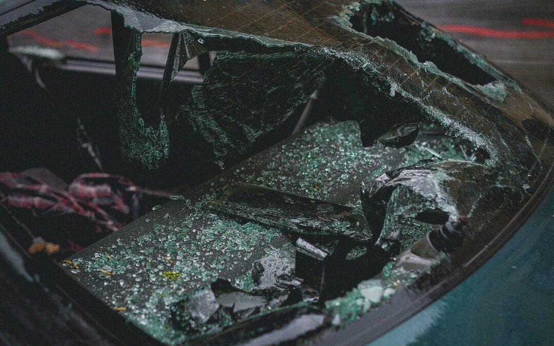 DeKalb police investigate deadly crash on Memorial Drive