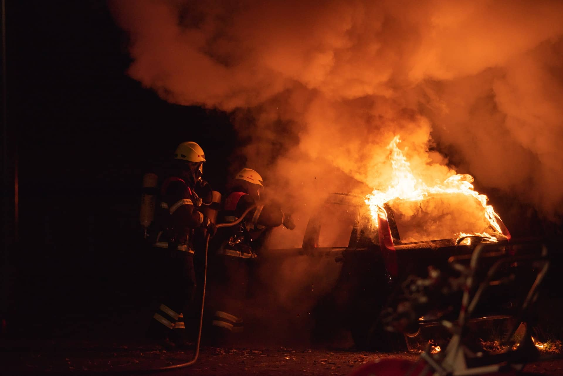 2 killed 1 injured after police chase ends in fiery crash on Lenox Road.jpg